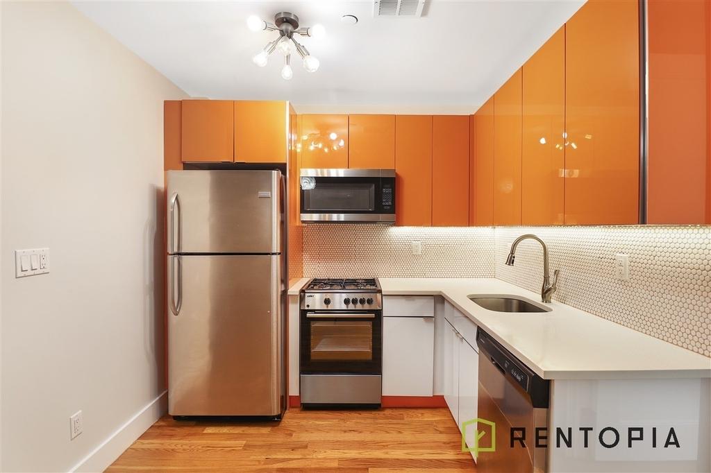 852 Metropolitan Avenue - Photo 0
