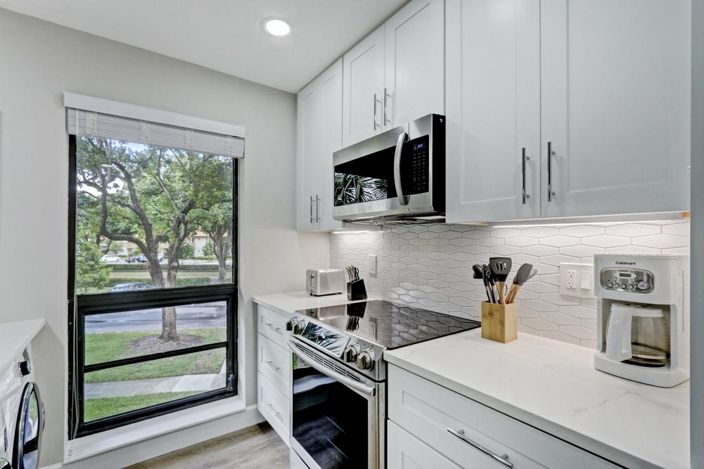 206 Brackenwood Terrace - Photo 10