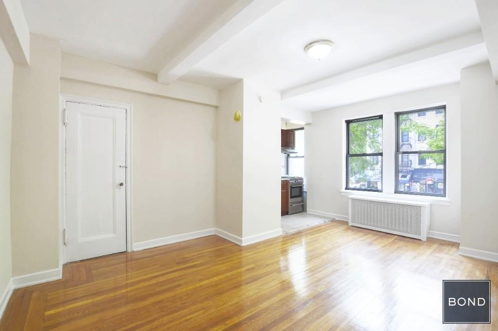 301 East 38th Street - Photo 1