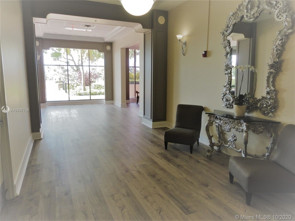 5600 Collins Ave - Photo 11