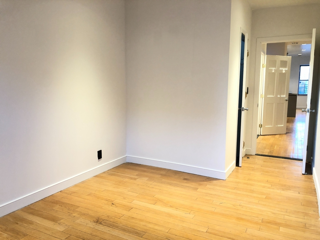 510 East 119th Street - Photo 9