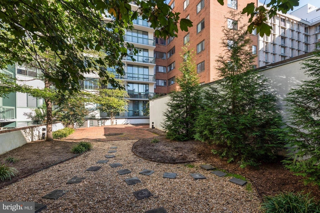 955 26th St Nw #209 - Photo 21