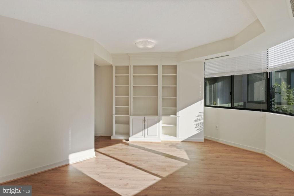 955 26th St Nw #209 - Photo 4