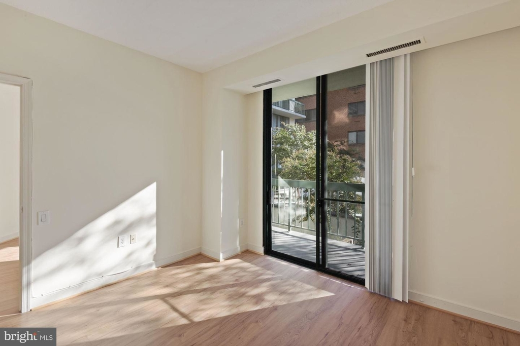 955 26th St Nw #209 - Photo 10