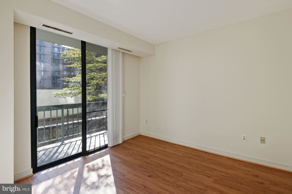 955 26th St Nw #209 - Photo 11