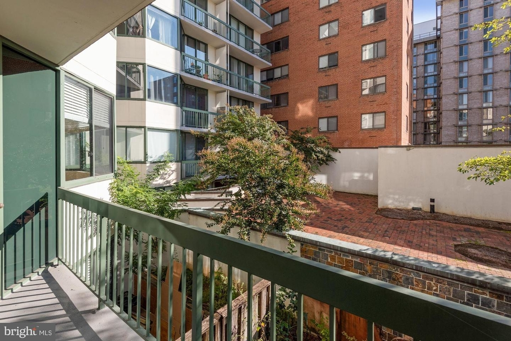 955 26th St Nw #209 - Photo 18