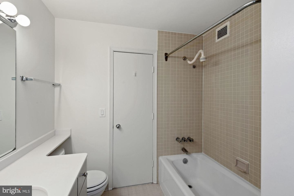 955 26th St Nw #209 - Photo 15