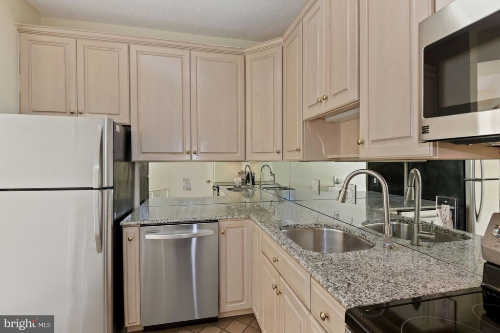 955 26th St Nw #209 - Photo 8