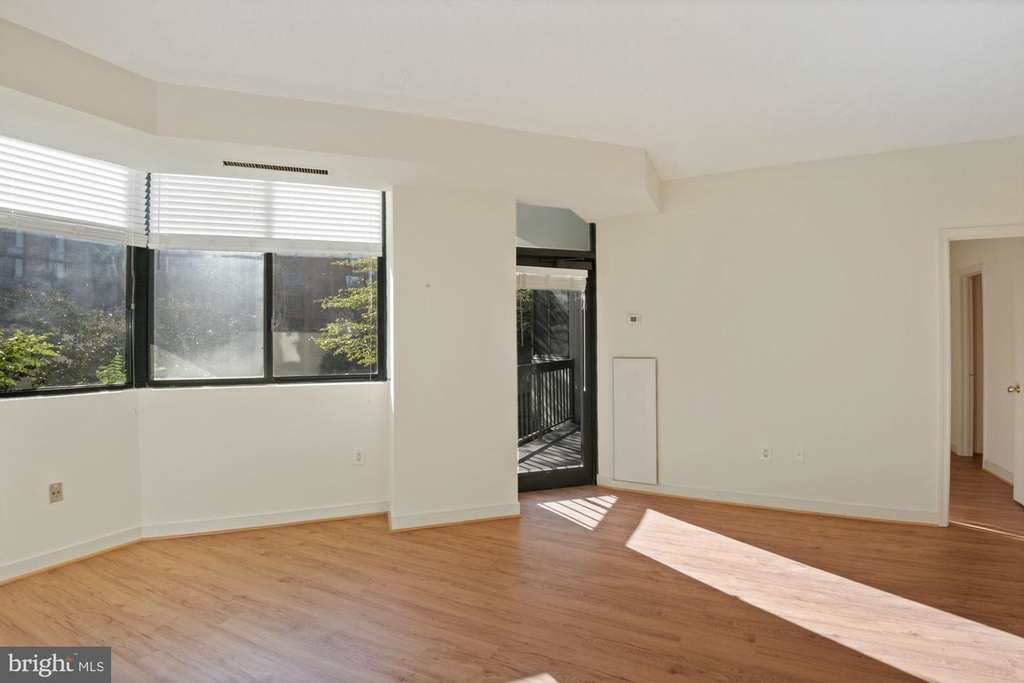 955 26th St Nw #209 - Photo 5