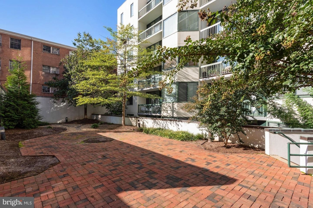 955 26th St Nw #209 - Photo 20