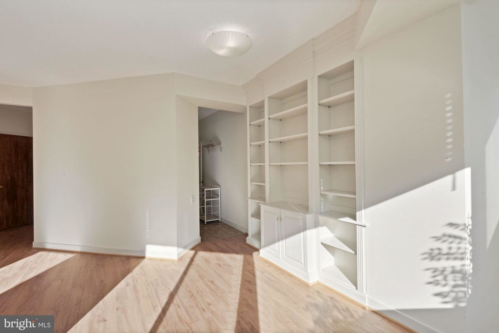 955 26th St Nw #209 - Photo 6