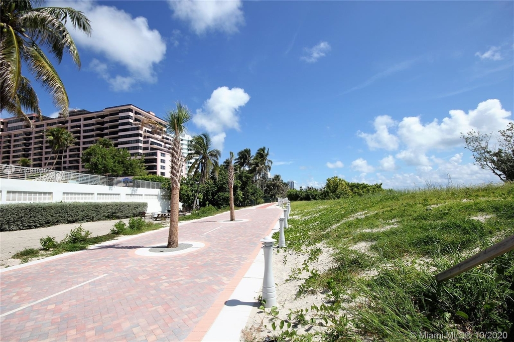 5151 Collins Ave - Photo 47
