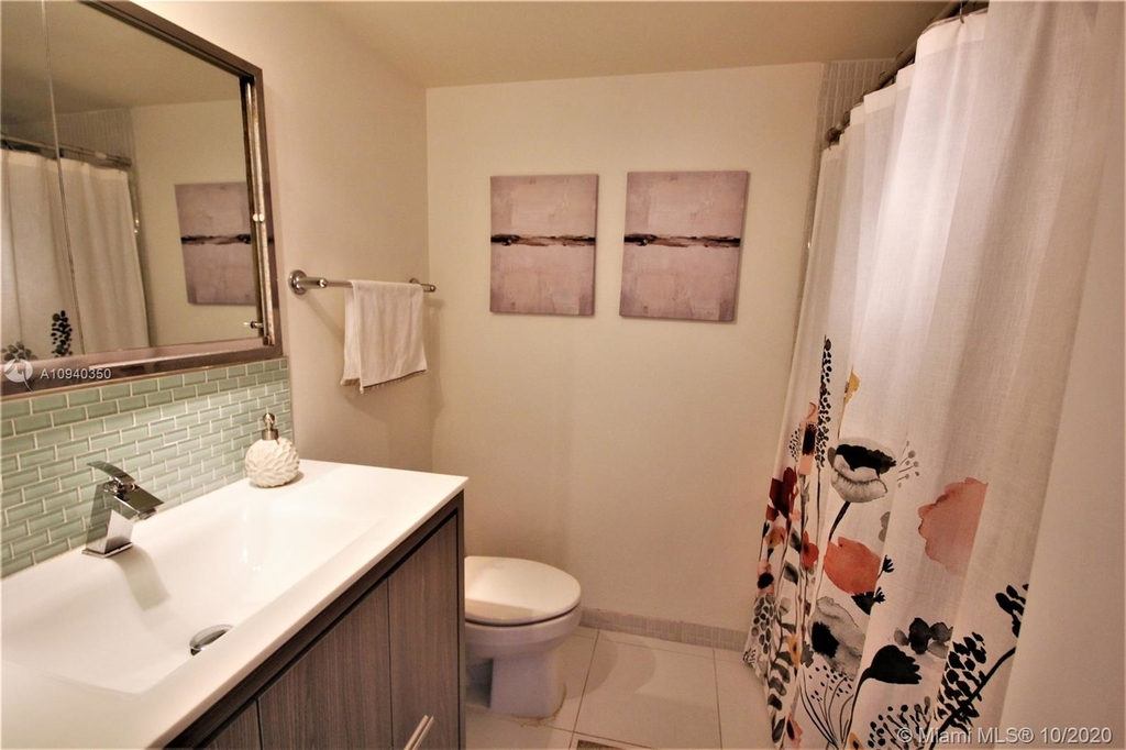 5151 Collins Ave - Photo 15
