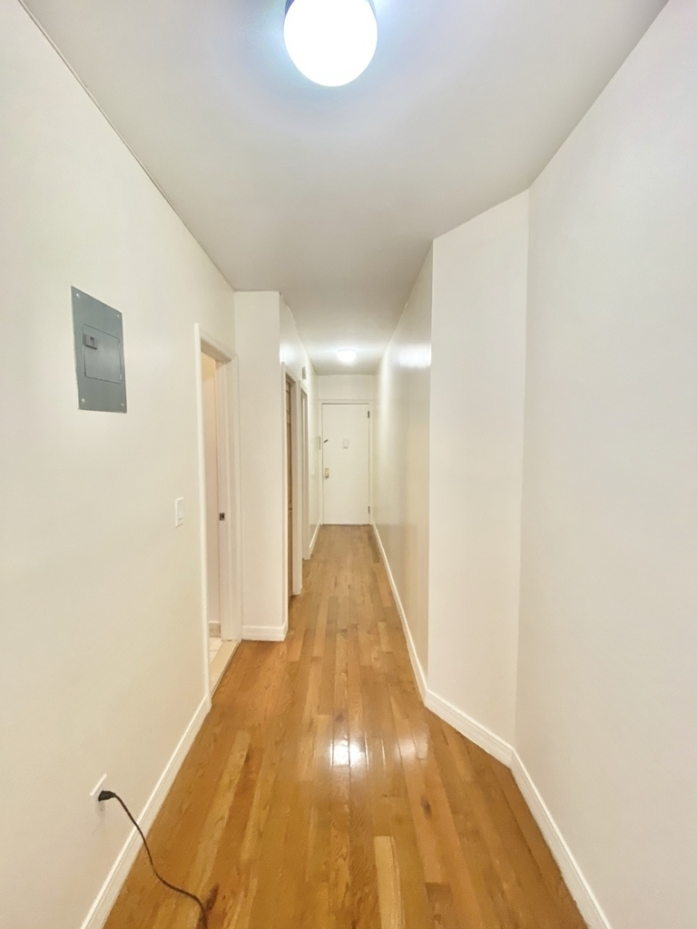 610 West 150th Street - Photo 2