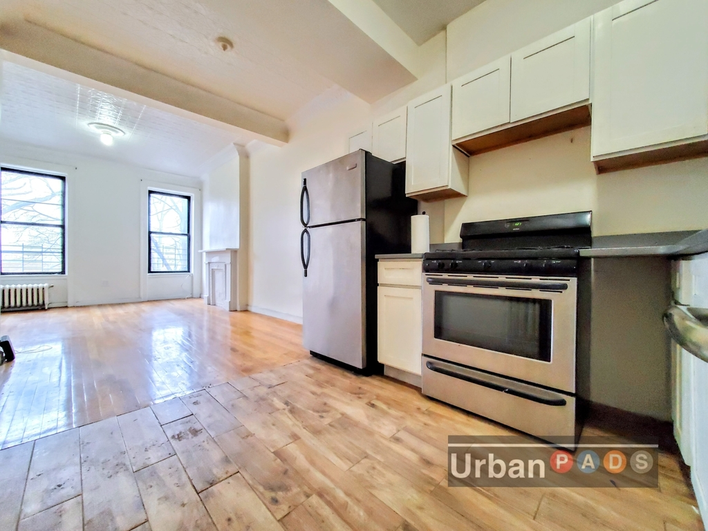 79 Underhill Avenue - Photo 3