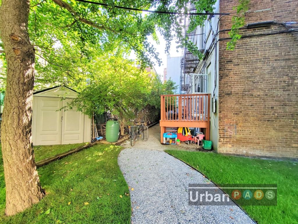 79 Underhill Avenue - Photo 9