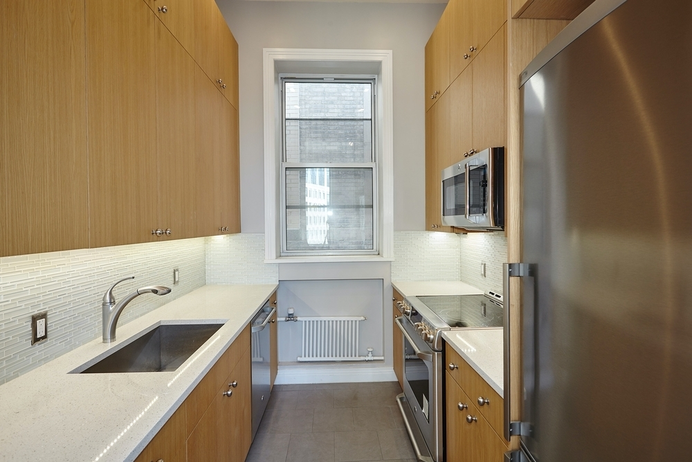 210 Fifth Ave - Photo 3