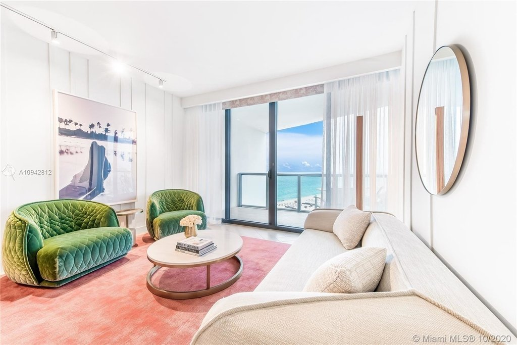 2201 Collins Ave - Photo 0