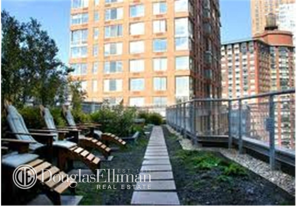 20 River Terrace - Photo 6
