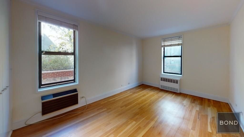 305 West 13th Street - Photo 3