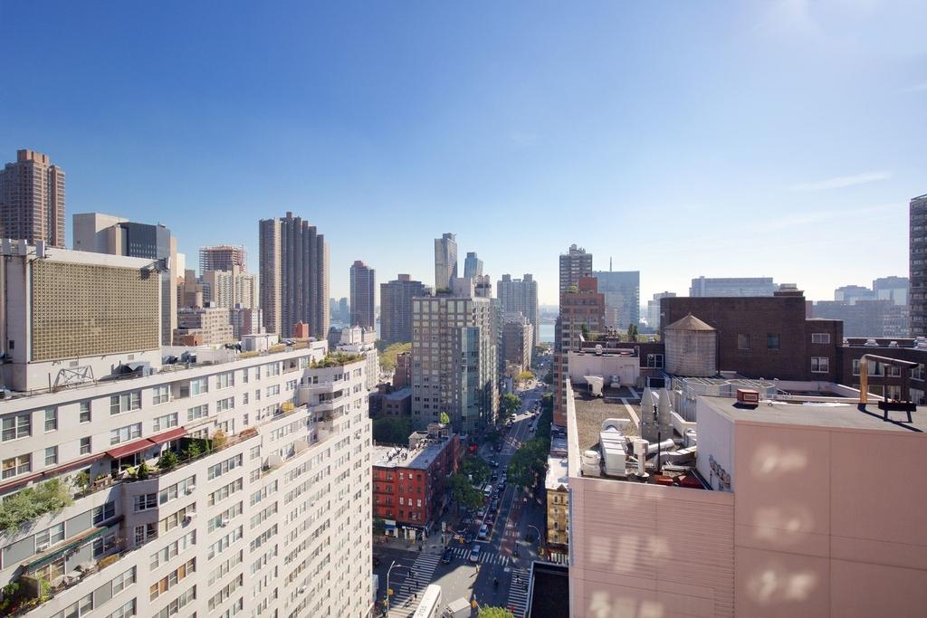 East 34th Street - Photo 6