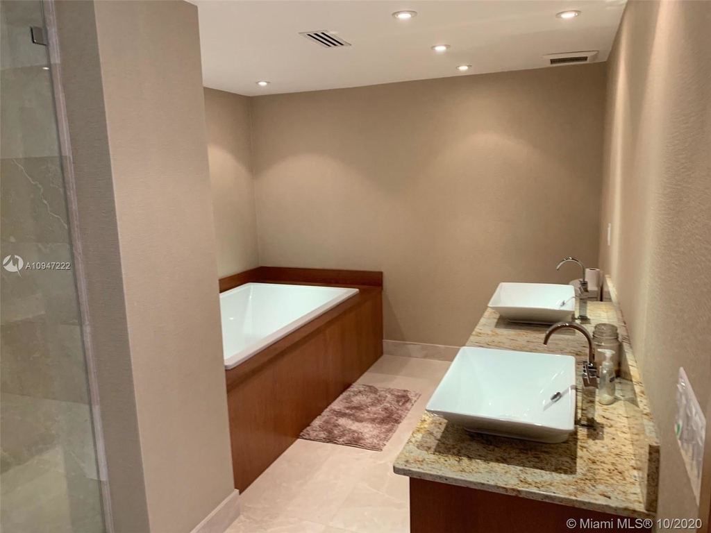 5255 Collins Ave - Photo 2