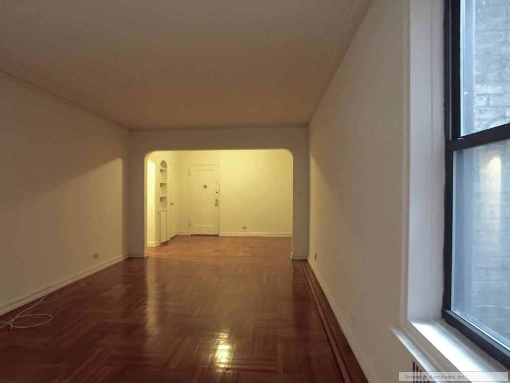 600 West 218th Street - Photo 5