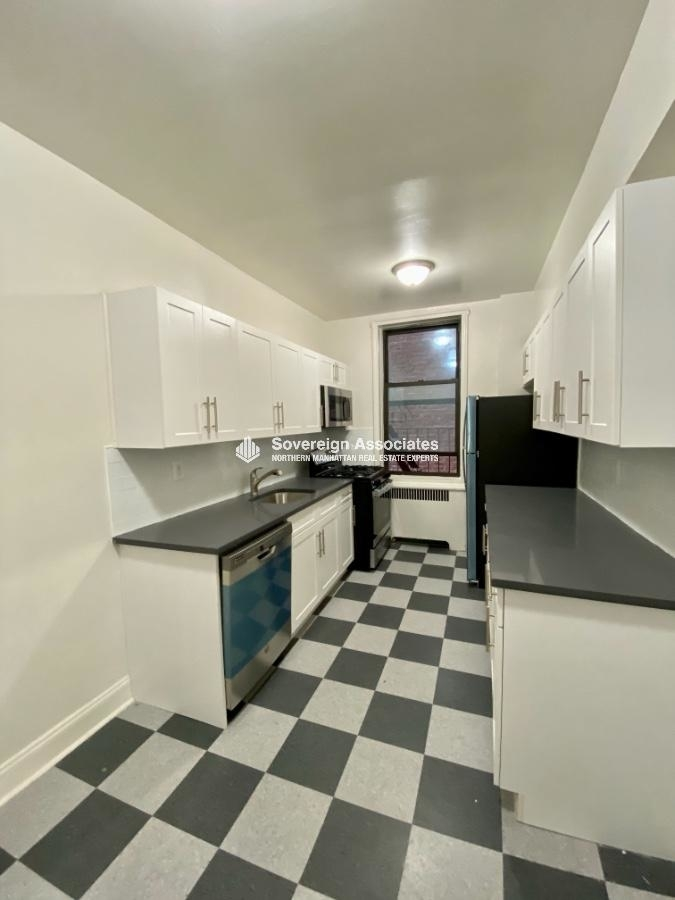 600 West 218th Street - Photo 9