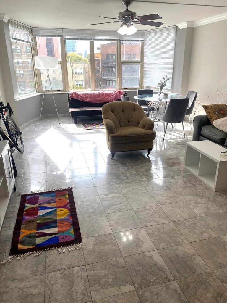 525 West Hawthorne Place - Photo 6