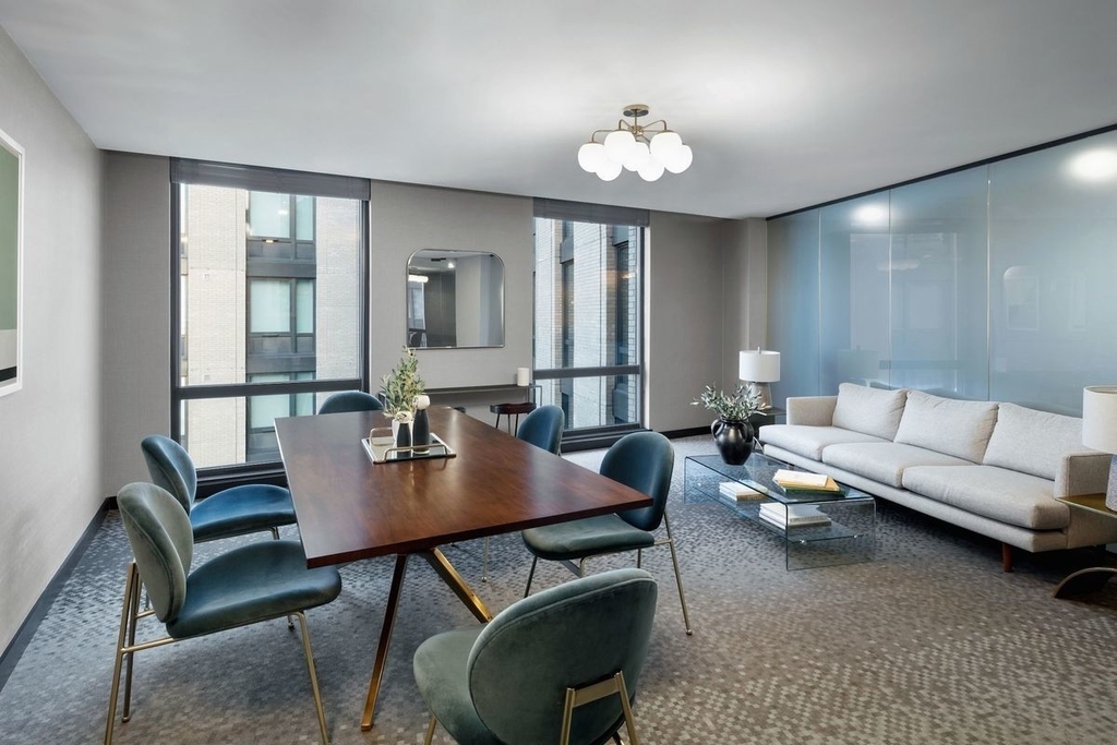 411 West 35th Street - Photo 6