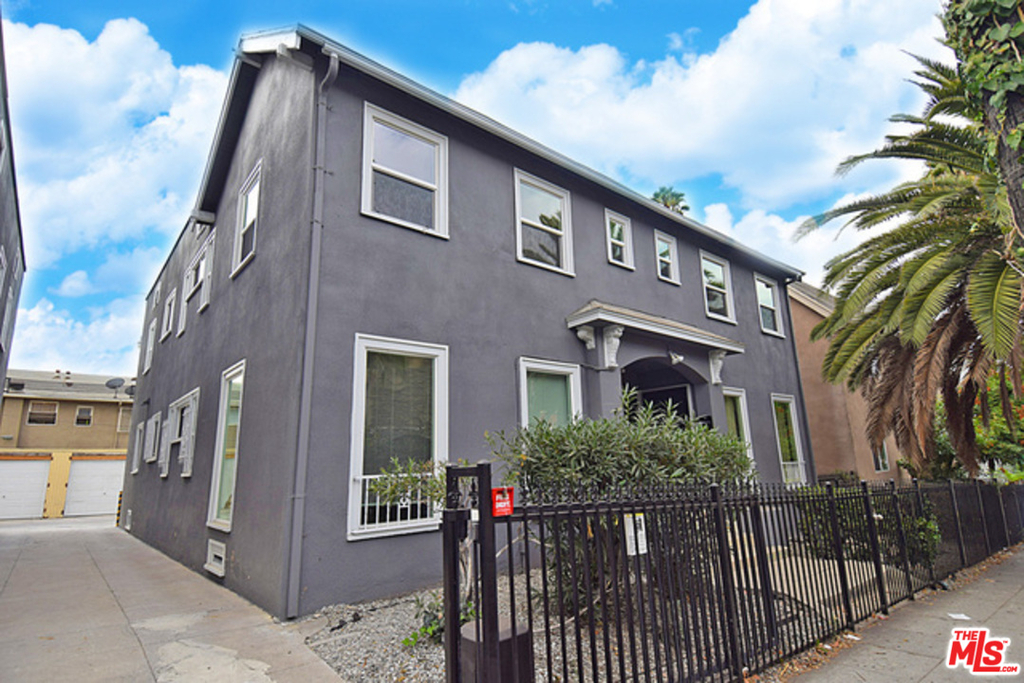 5526 Franklin Ave - Photo 1