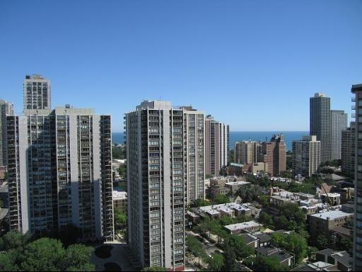 1360 North Sandburg Terrace - Photo 15