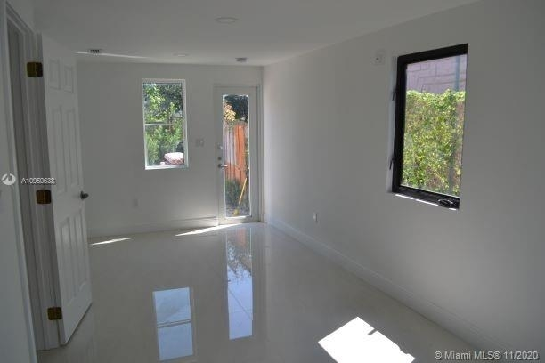 1168 Nw 32nd St - Photo 6