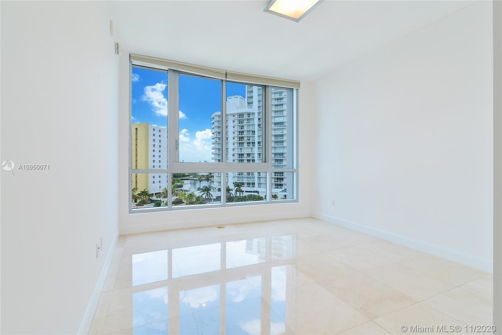 5959 Collins Ave - Photo 10