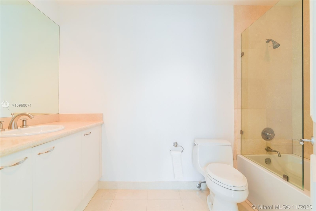 5959 Collins Ave - Photo 11