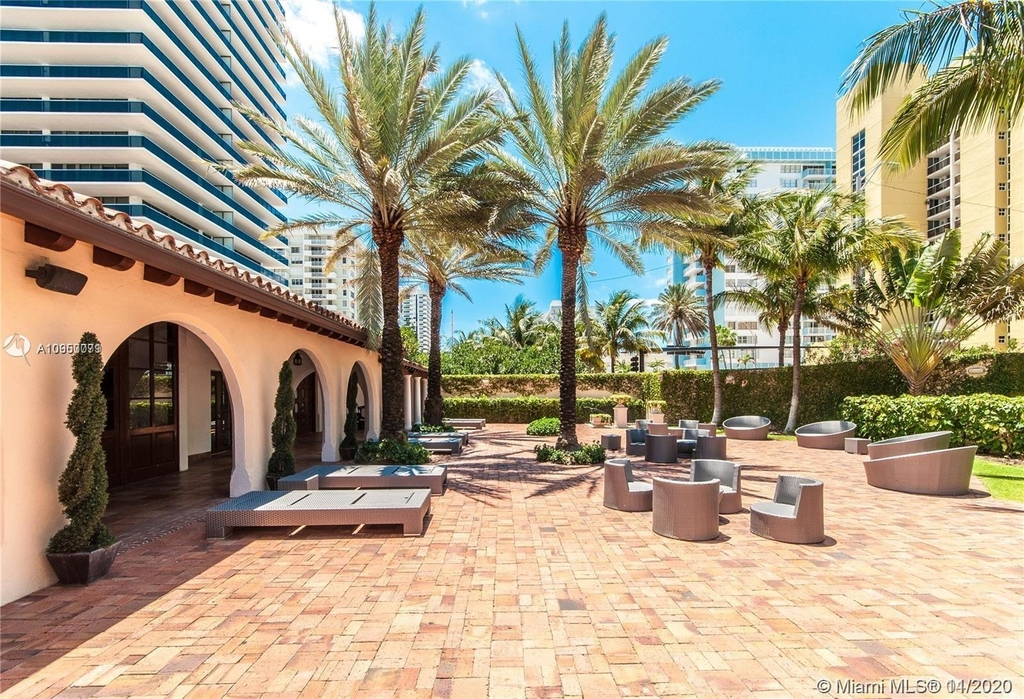 5959 Collins Ave - Photo 24