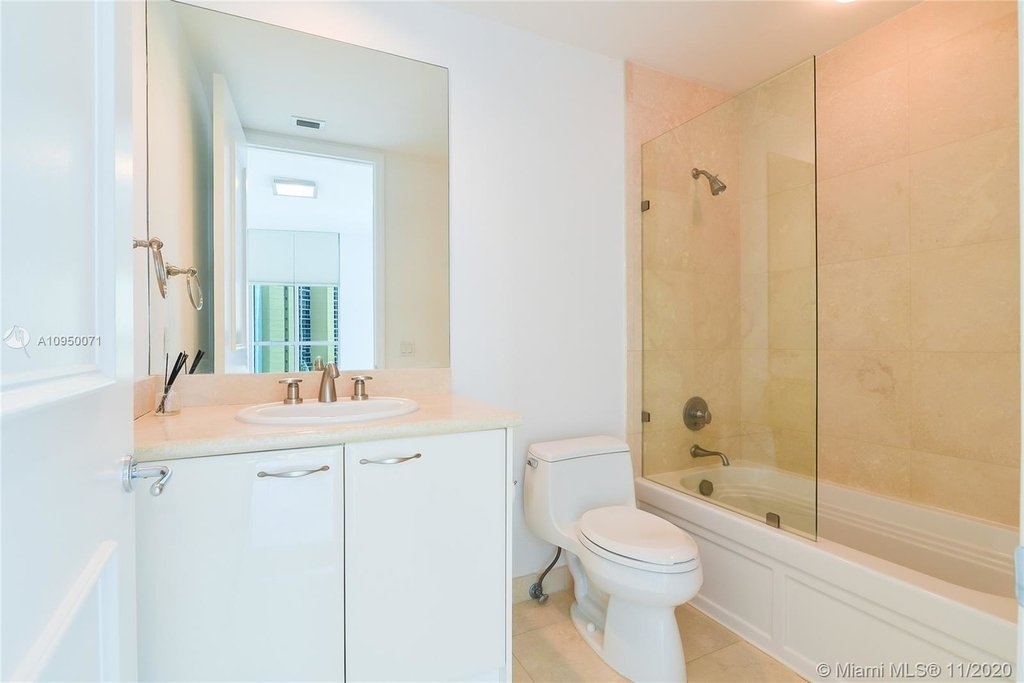 5959 Collins Ave - Photo 9