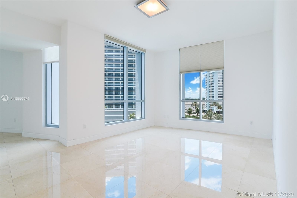 5959 Collins Ave - Photo 12