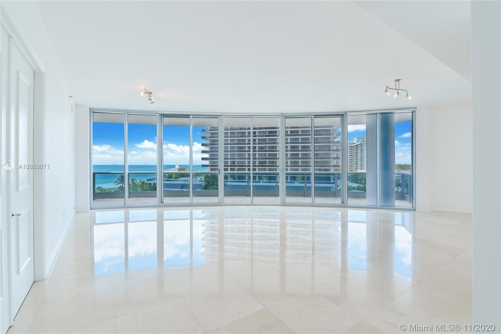 5959 Collins Ave - Photo 2