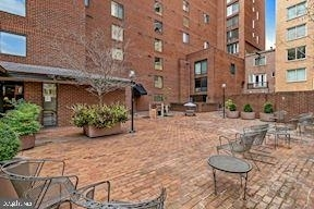 1099 22nd St Nw #401 - Photo 20
