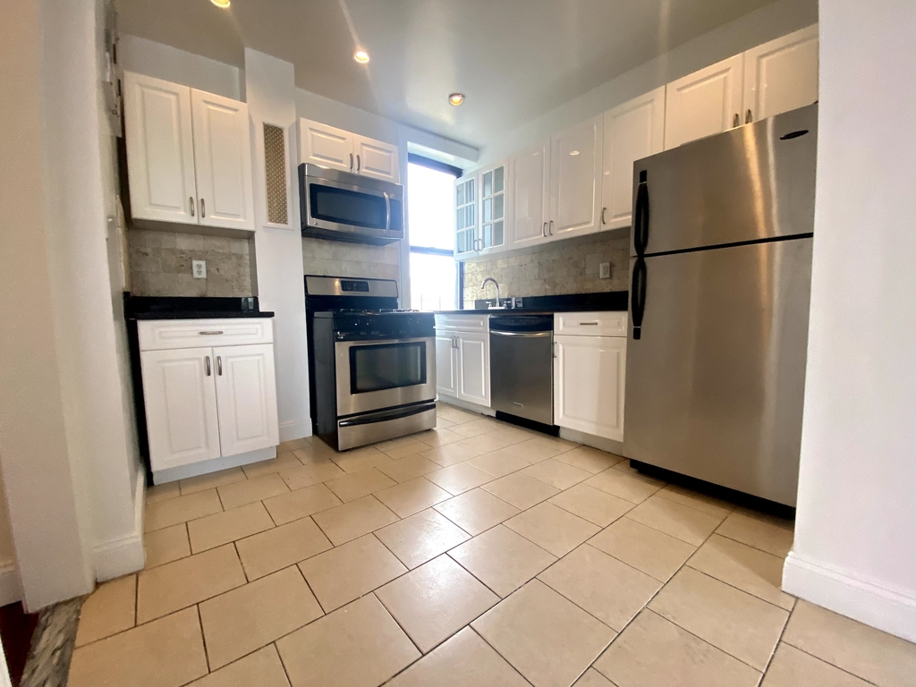 260 Convent Ave #104 - Photo 6