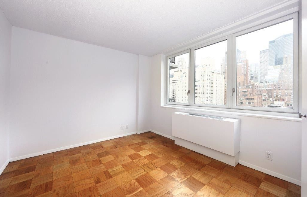 East 34th Street + Park Avenue - Photo 2