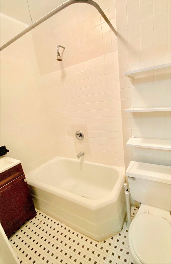 323 East 85th Street - Photo 2