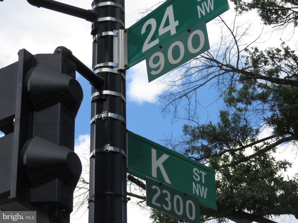 922 24th Street Nw - Photo 1