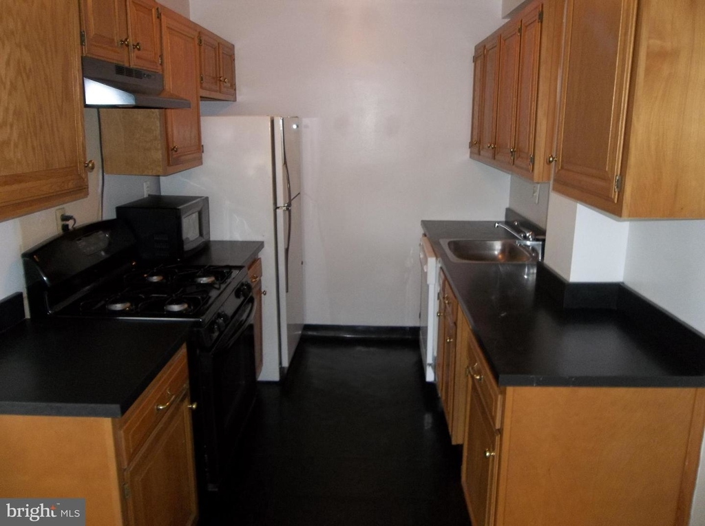 1601 18th St Nw #616 - Photo 7