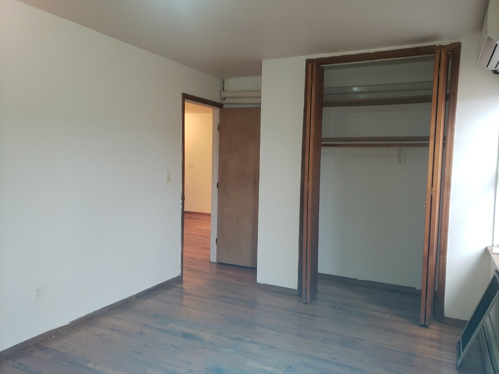 Private house w/ Massive common area, Large M. bedroom with personal bath, No brokers fee - Photo 4