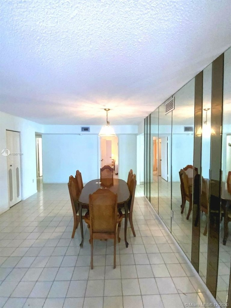 2924 Collins Ave - Photo 13