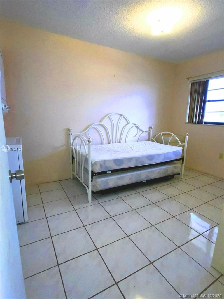 2924 Collins Ave - Photo 47