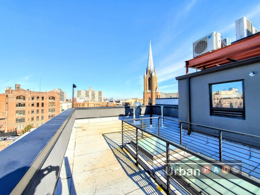 698 Flushing Avenue - Photo 10