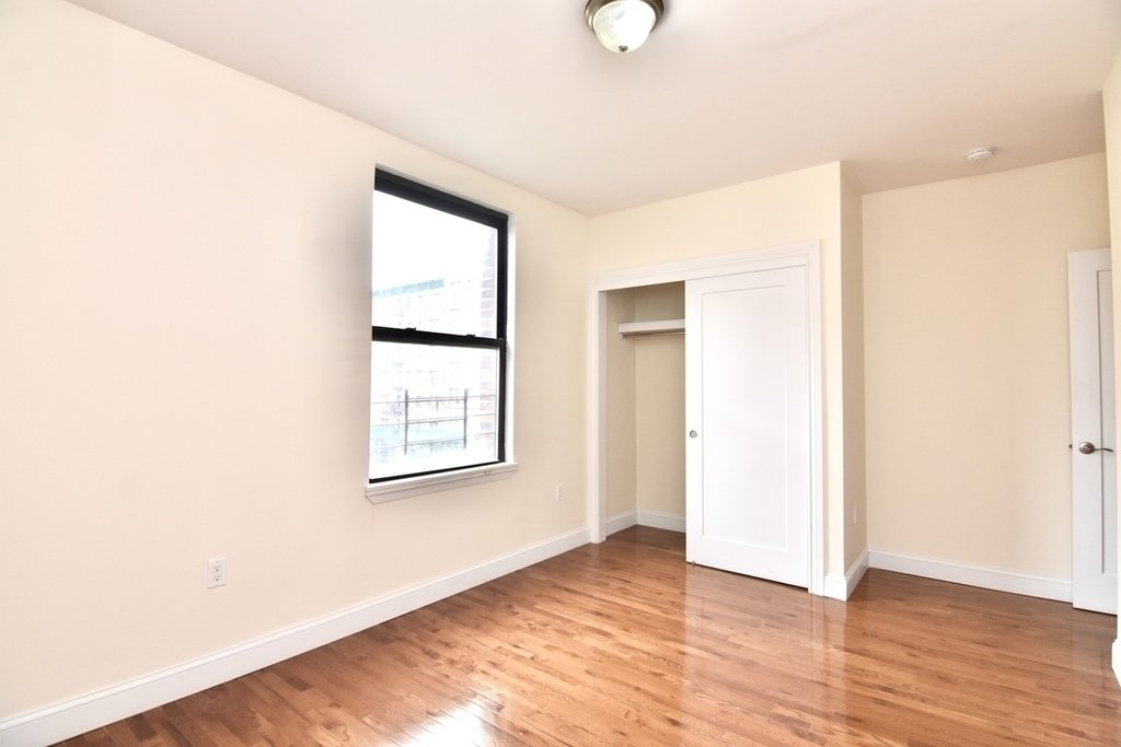 500 West 140th Street - Photo 8